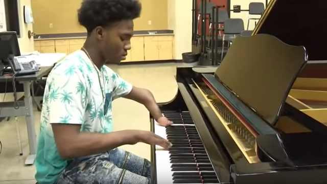 四根钢琴教程弹手指,奏出天籁之音_OMG!-梨视少年折切多多