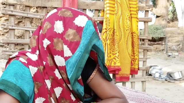农村如厕难,印度女子野外惨遭凌辱