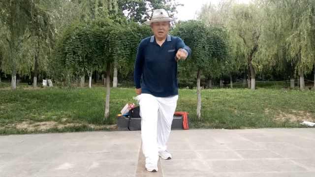 鬼步舞大爷教徒过千:跳舞
