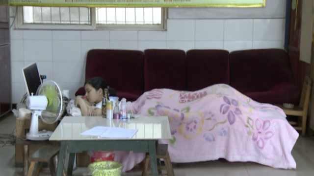 女孩患怪病卧床5年:想赚钱报答父母