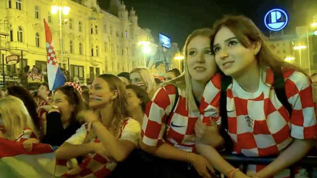 场外养眼福利:克罗地亚的美女球迷