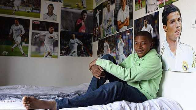 姆巴佩:来自巴黎郊区的足球天才