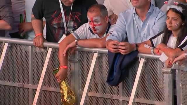 英格兰止步半决赛,球迷看得心碎