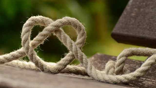 这样系绳子既牢固,又能轻松解开