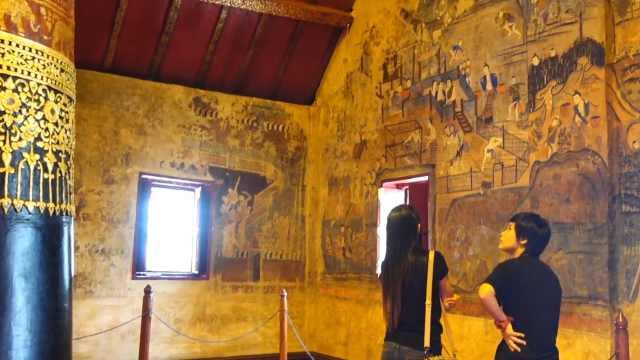进入泰国北部寺庙,看壮观的壁画
