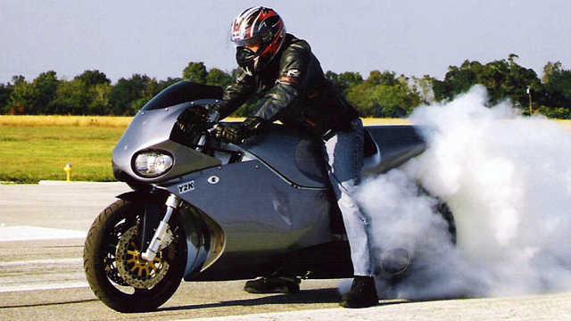 搭载劳斯莱斯喷气式引擎的超级摩托