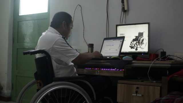 他高位截瘫后开网店:残疾不能残废