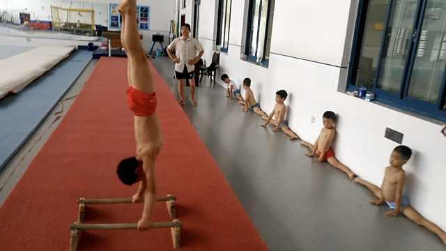 9岁娃练体操满手茧,盼成世界冠军