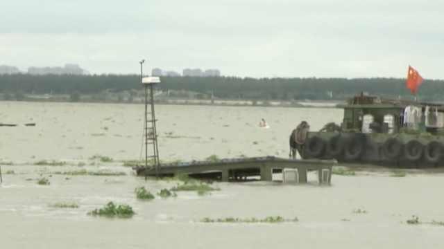 台风致80多艘货船失控受损,2船沉没