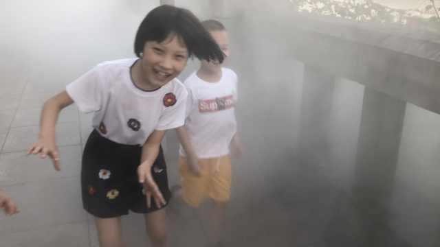 重庆江边现雾气仙境!拍照自带滤镜