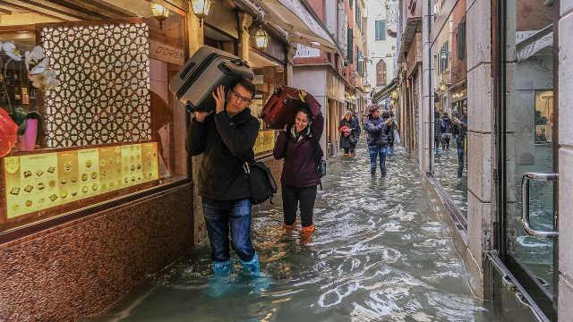 """意大利""""水城""""威尼斯遭遇严重洪水"""