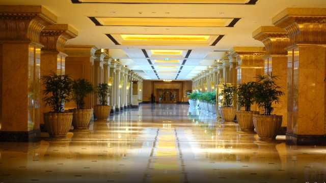 阿布扎比皇宫酒店,看迪拜富丽堂皇