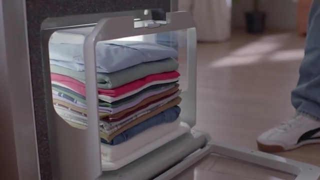 懒人福音!这台机器可以帮你叠衣服