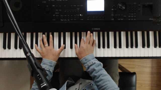 钢琴弹奏:这首歌一定要唱给她听