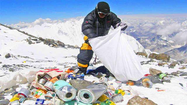 珠峰到底有多脏,垃圾清理要10年?