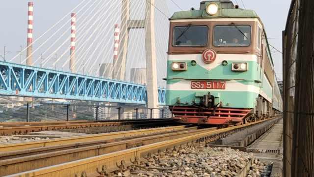 服役54年,重庆首座长江大桥退役了