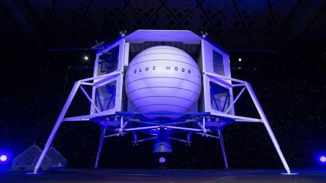 贝佐斯公布月球着陆器拟2024年登月