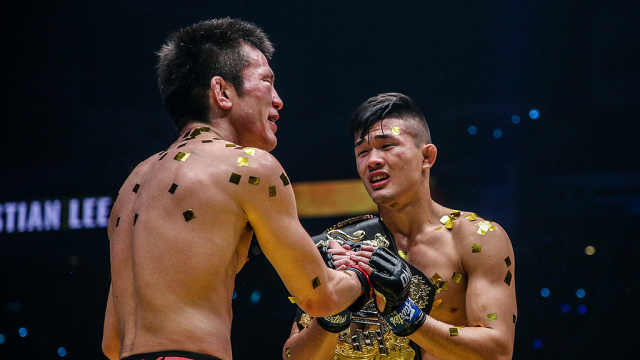 登基!华裔小将成MMA最年轻世界冠军