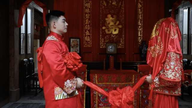 新人办中式婚礼:坐花轿如同过山车