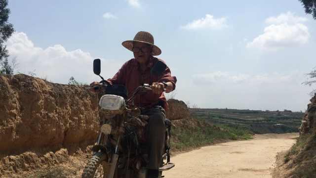 8旬翁骑摩托养蜂:每天2两蜜身体棒