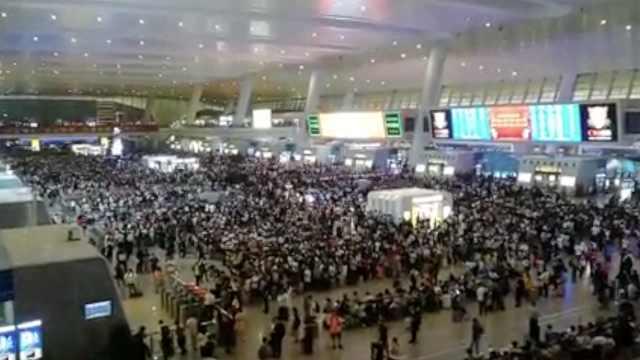 堪比春运!杭州东站日客流23万人次