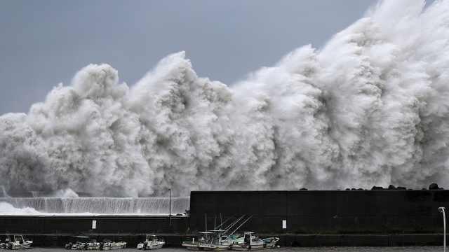 """直播:台风""""海贝思""""登陆日本静冈"""