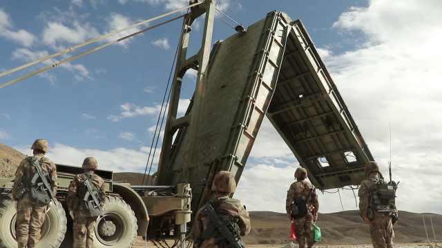4500米雪域高原,官兵10分钟造桥