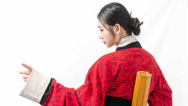 为什么越来越多的中国人偏爱汉服?