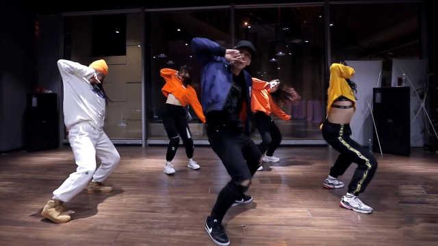 Lisa热舞翻跳,超强的肢体控制