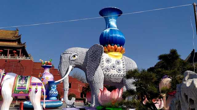 景区用上千碗盘碟,制作4米高大象