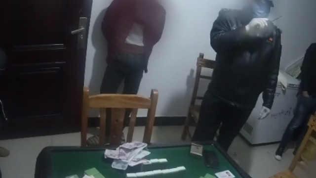 还敢?5男不戴口罩扎堆赌博被处罚