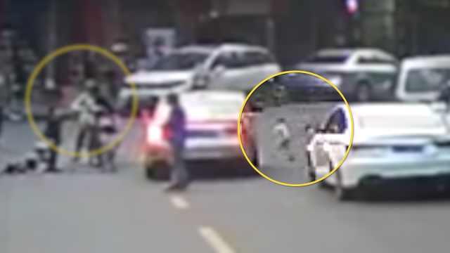 痛心!妈妈过马路扶摔倒儿童,2岁女儿尾随被撞身亡