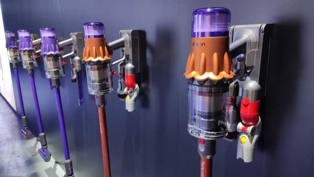 戴森发布最轻无绳吸尘器:配吸头1.5kg,电池可换