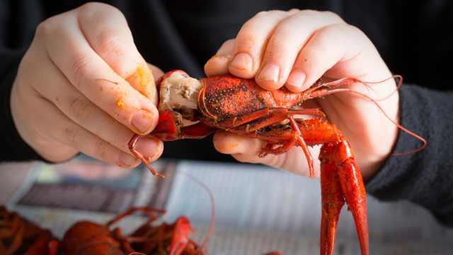 一年吃出3600多亿?中国人为啥这样爱吃小龙虾