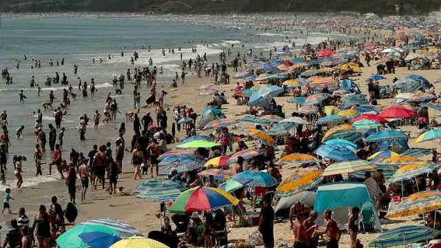 研究:北半球今年经历最热夏天,第二热的8月