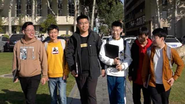 高校6男生建保研群共享信息全上岸:互相督促,让自己不散漫