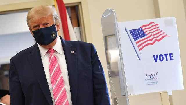特朗普完成2020大选投票:我为一个叫特朗普的家伙投了票
