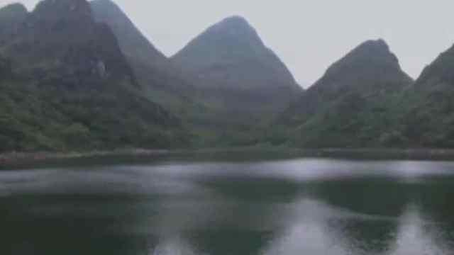 山顶湖泊突然出现!一夜之间悄然消失?