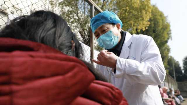 为救姐姐立志学医,乡村精神科医生每年陪病人过春节