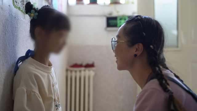"""面对脑瘫女儿母亲曾想轻生,如今共同寻找""""奇迹"""""""