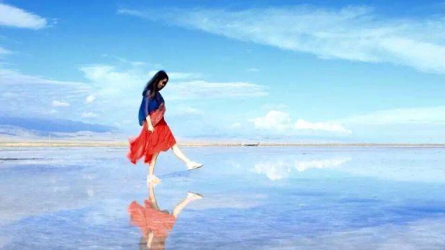 天空之镜,姑娘们去记得要穿红裙子
