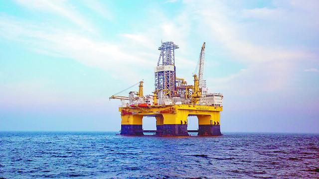 中国首次试采深海海底可燃冰成功
