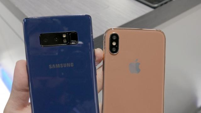 苹果CEO裤兜惊现iPhone 8又大又长