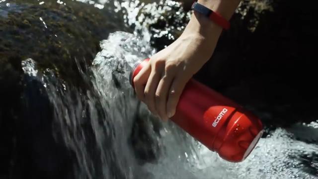 这个杯子,灌入污水就能直接喝!