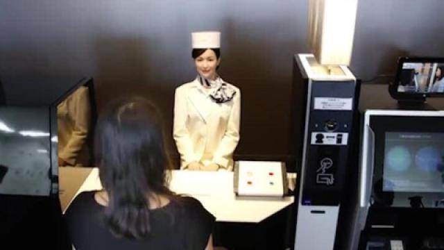 日本机器人酒店 前台也是机器人哦