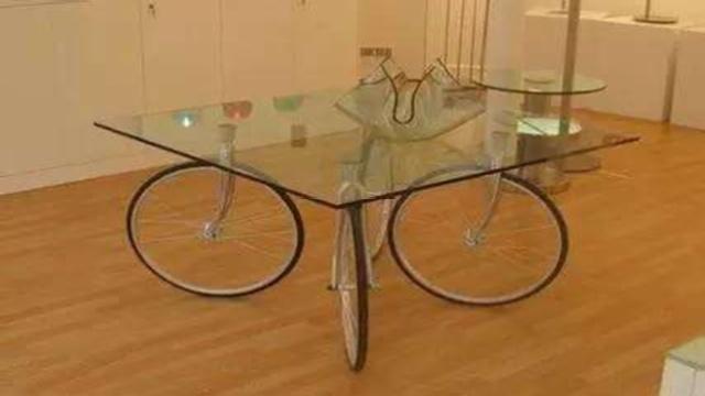 日本人为了吃中餐发明了旋转桌子