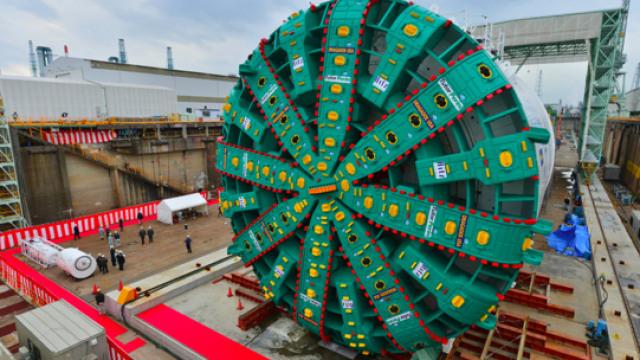为什么挖火车隧道不用盾构机?
