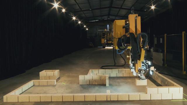 如果中国有这机器人,房地产商笑了