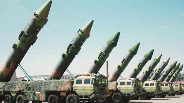"""中国""""导弹雨"""",就这么霸气"""