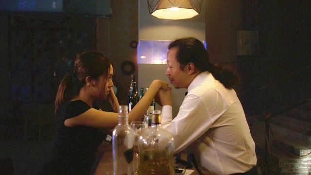 就凭这招,酒吧美女主动和我亲近!